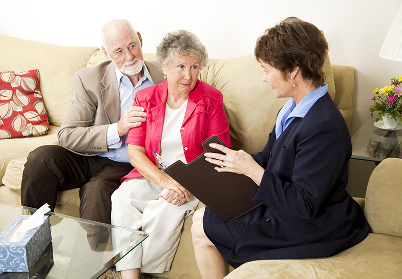 Social worker helping senior with in home care in Boca Raton, Florida